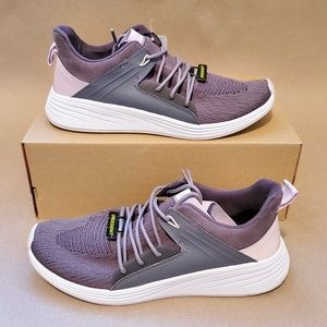 NW Womens Shoes Champion - Size 11